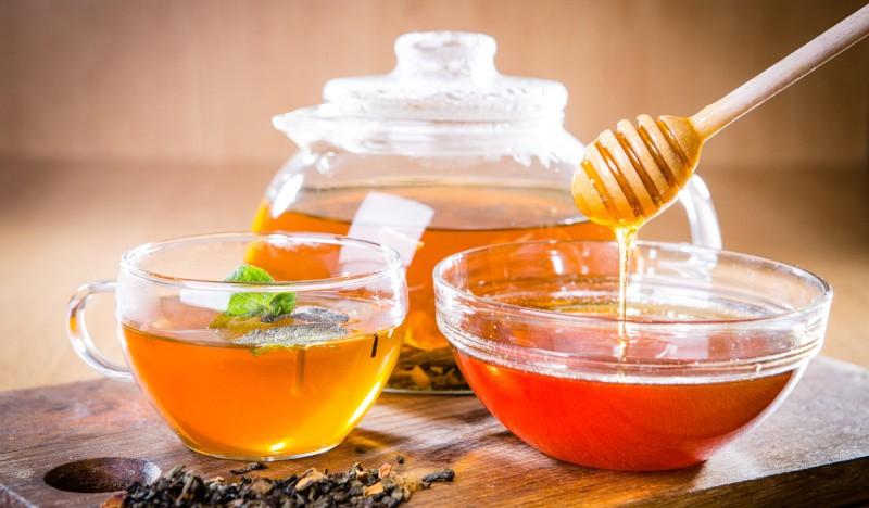 Чай с медом: польза, способы приготовления и противопоказания