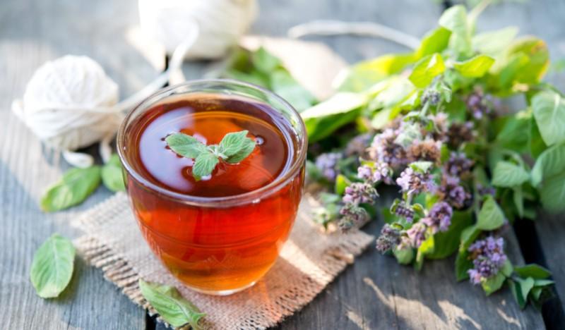 Черный чай с мятой: полезные свойства и рецепты