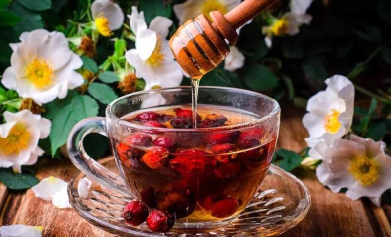 Чай с ягодами и медом