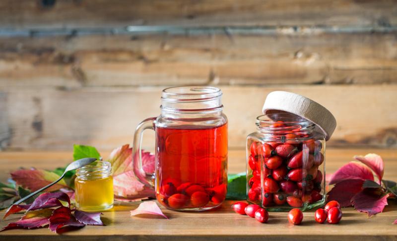 Настой из ягод шиповника